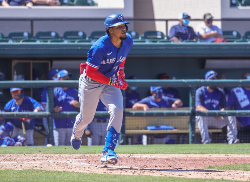 Spring training roundup: Santiago Espinal leads Blue Jays over Phillies