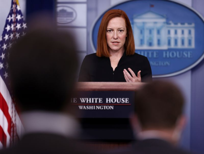 White House extends interest pause on student loans