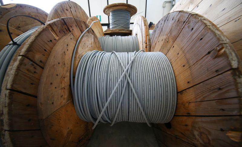 ESCLUSIVA - Rete unica, trattative per ridurre esborso Cdp per controllo Open Fiber - fonti