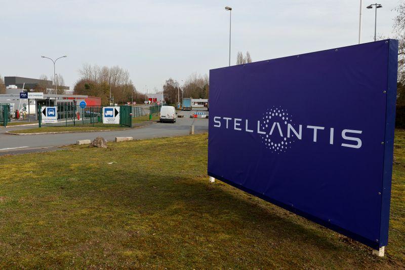 Stellantis punta in 2021 a triplicare vendite veicoli elettrici globali -Elkann