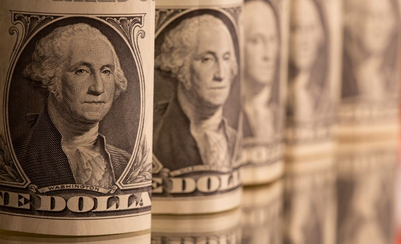 Dollar posts third straight weekly rise after upbeat U.S. payrolls report