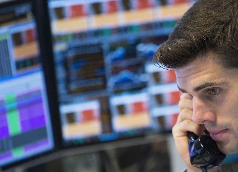MERCADOS GLOBALES-Dólar y retornos bonos Tesoro suben tras sólido dato empleo EEUU