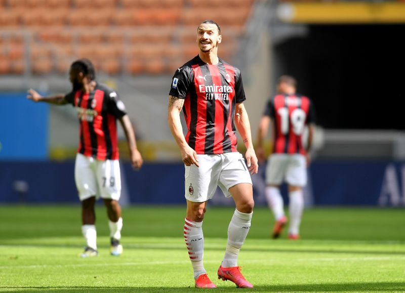 Soccer: Hauge strikes late to rescue draw for Milan against 10-man Sampdoria