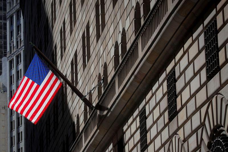 Рынок будет следить на этой неделе за инфраструктурными планами