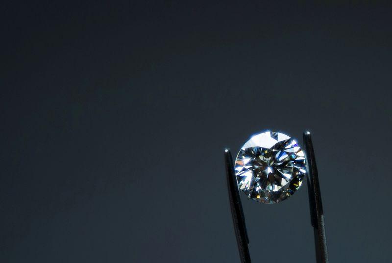 Diamanti, procura chiede processo per 105 persone, 4 banche e un broker