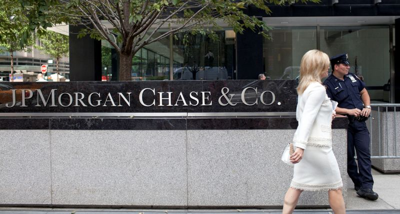 'Millionaires tax' threat has some NY bankers, managers eyeing exits
