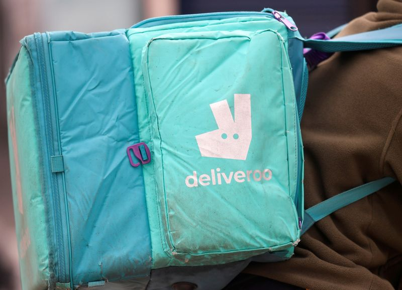 Deliveroo ticks up as retail investors join trading