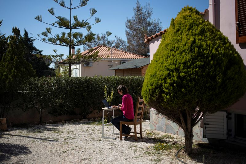 Sun, sea and cybernauts: the long road for Greece's digital nomads