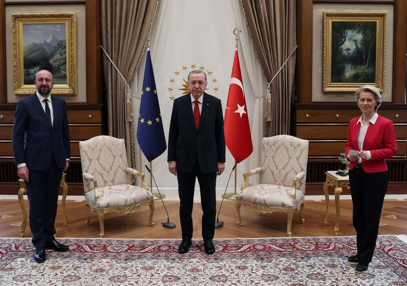 EU commission head taken aback as Erdogan and her colleague snap up the chairs