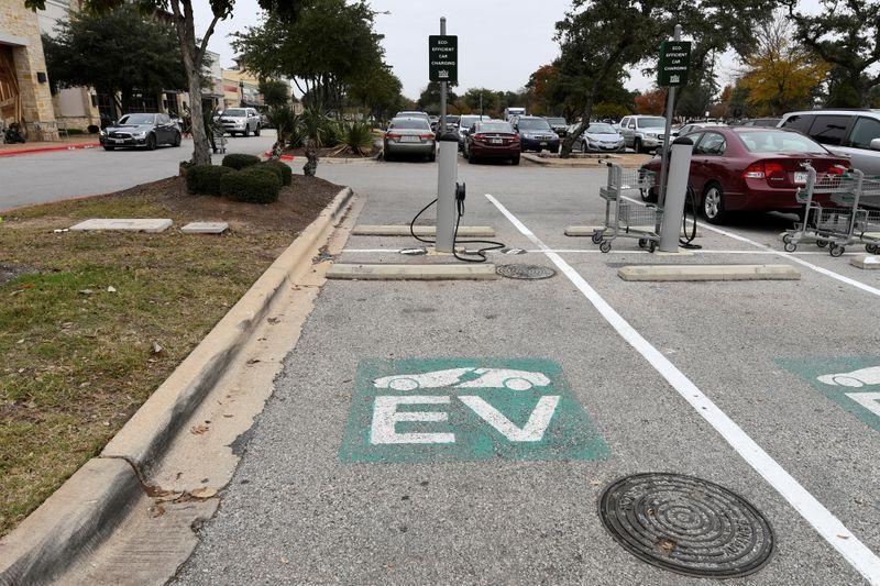Biden plan calls for $100 billion in new EV consumer rebates: email