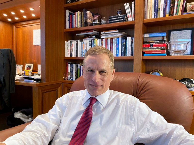 Kaplan está a favor de que Fed empiece a retirar estímulos cuando termine la pandemia