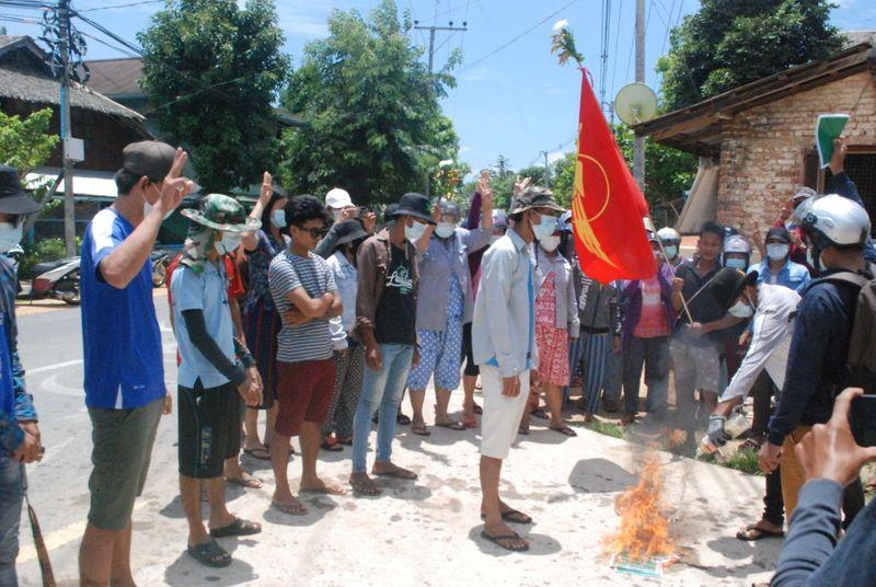 ミャンマー、軍政非難の俳優逮捕 デモ参加者11人死亡