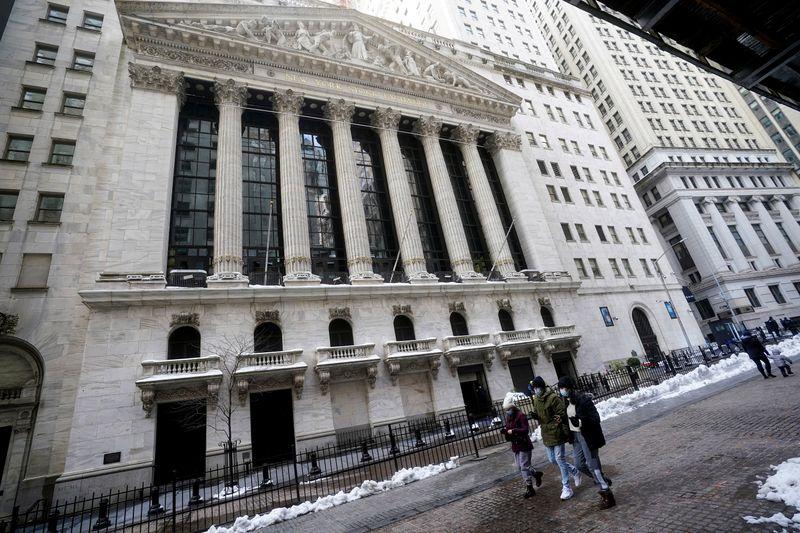 Borsa Usa, S&P 500 a nuovi massimi su spinta titoli tech