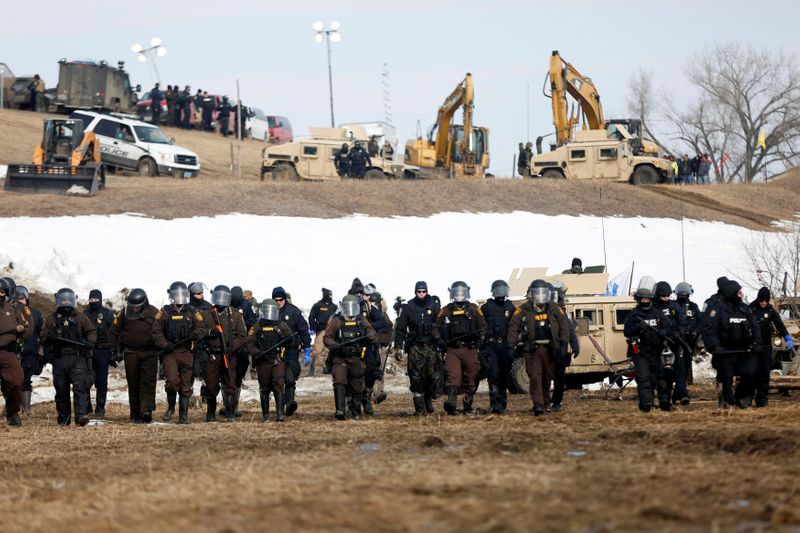 Fate of Dakota Access pipeline at stake at Friday court hearing