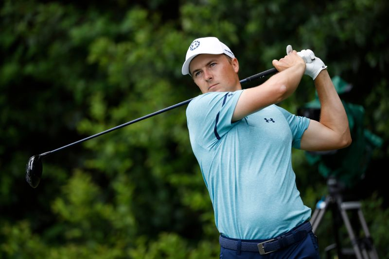 Spieth, Thomas fight their way into Masters contention