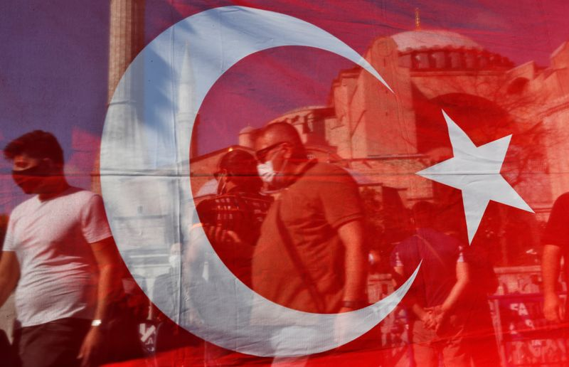 Россия ограничивает авиасообщение с Турцией с 15 апреля