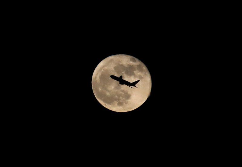 La France suspend jusqu'à nouvel ordre ses vols avec le Brésil
