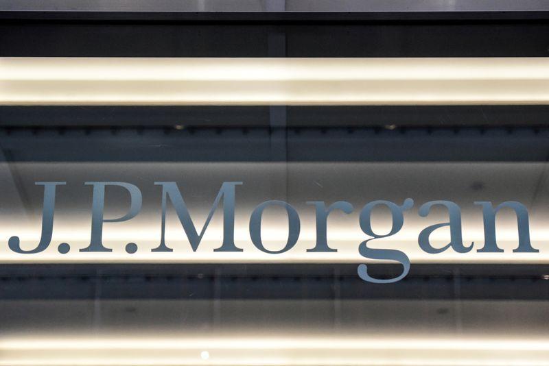 JPMorgan profits on capital markets in a cash-flush economy
