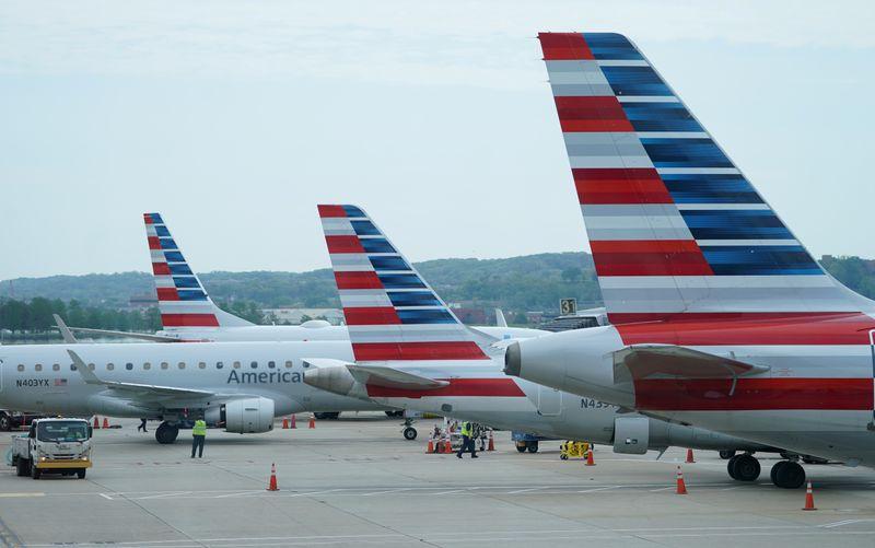 American Airlines sees bookings rebounding in summer