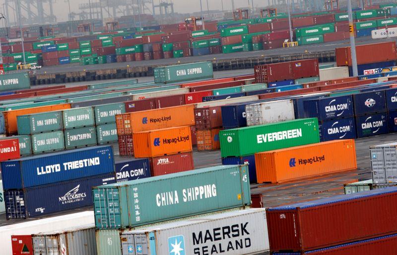 Precios importación EEUU suben con solidez, impulsan temporalmente la inflación