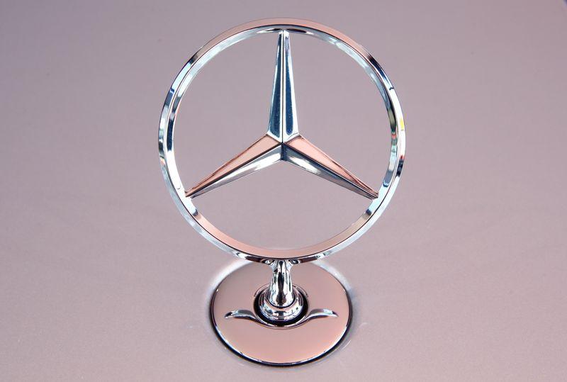Daimler bate previsiones de resultados gracias a la fuerte demanda china