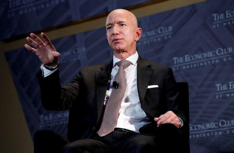 アマゾンのベゾスCEOが株主宛書簡、従業員への配慮強化に言及