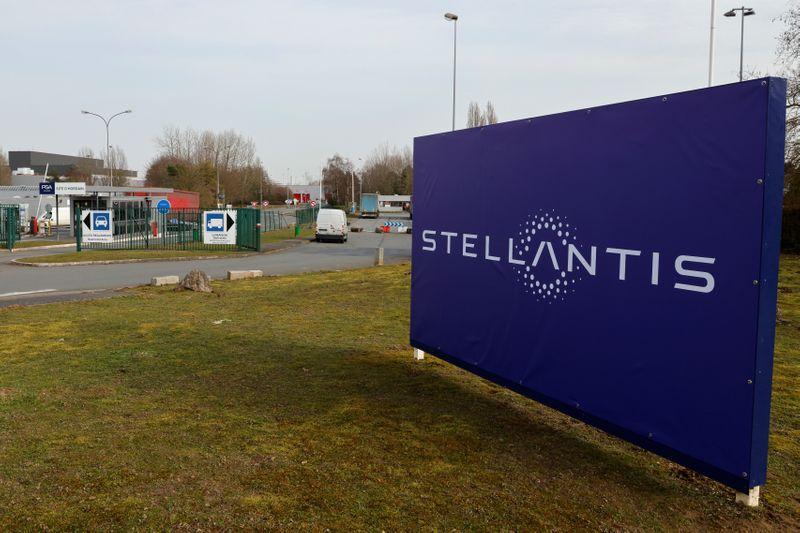 Stellantis sospende produzione in alcuni impianti americani per carenza chip