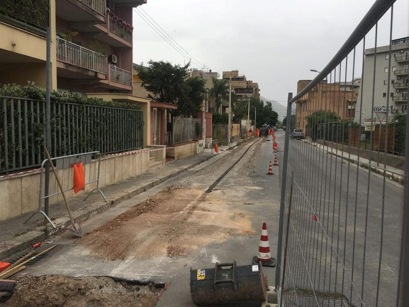 Analysis: Cabling Italy: what price the single network as Rome dithers?