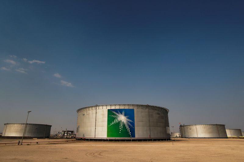 Экспорт нефти из Саудовской Аравии в феврале снизился до 5,625 млн барр/сут