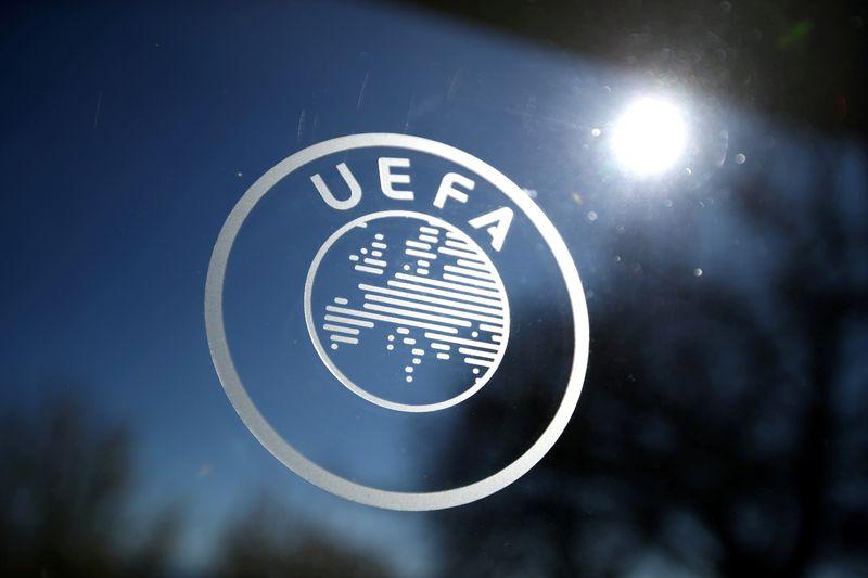 Football: L'UEFA prête à des sanctions face au projet de
