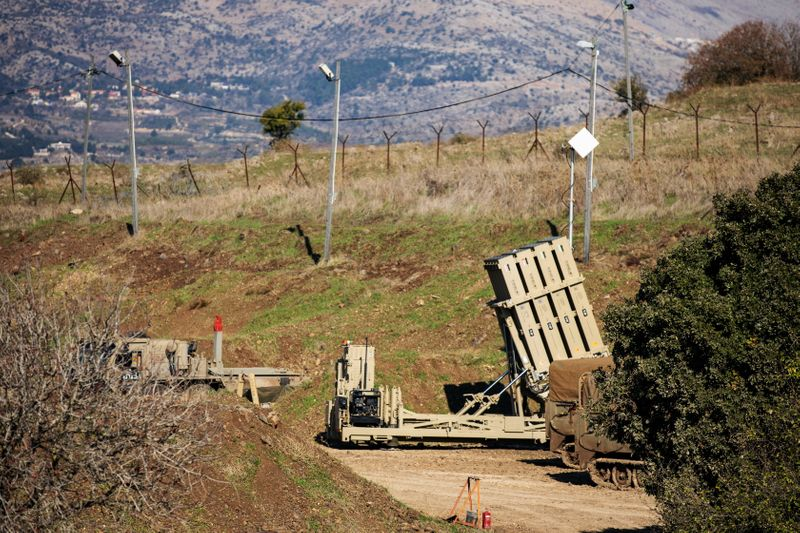 イスラエル南部にシリアのミサイルが着弾、近くに原子炉