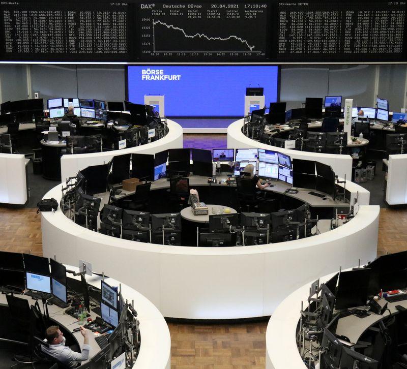 Las bolsas europeas extienden ganancias tras los resultados de Nestlé y Volvo