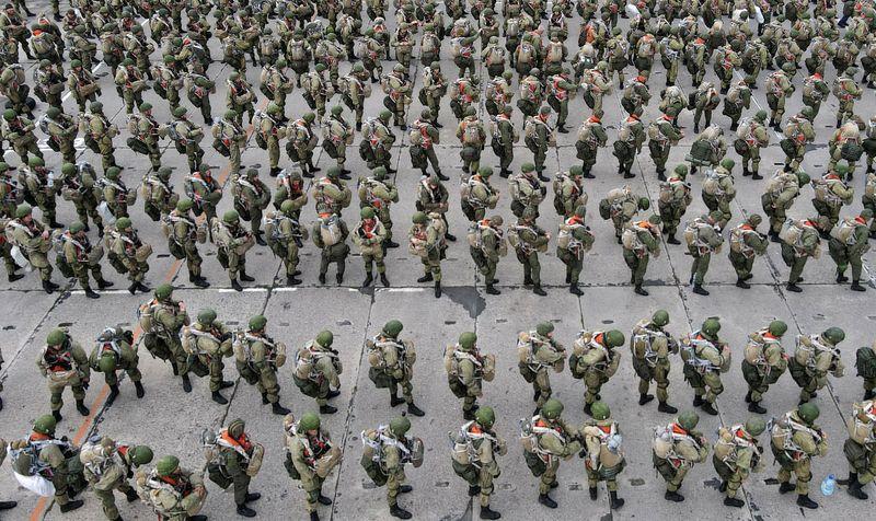 ロシア、ウクライナ国境の増強部隊撤収 「査察は終了」