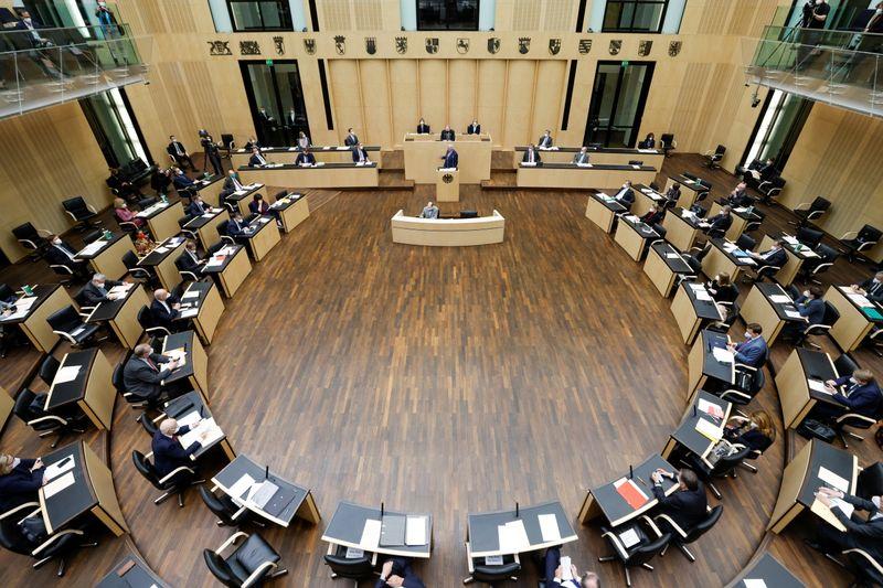 ドイツ上院、コロナ第3波の対策強化に向けた法案可決