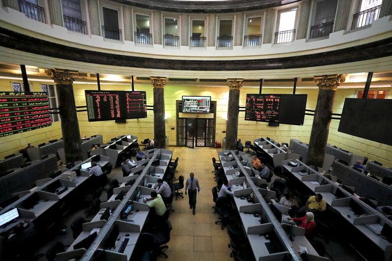 Analysis-Frontier markets an unlikely haven as storms sweep local bonds