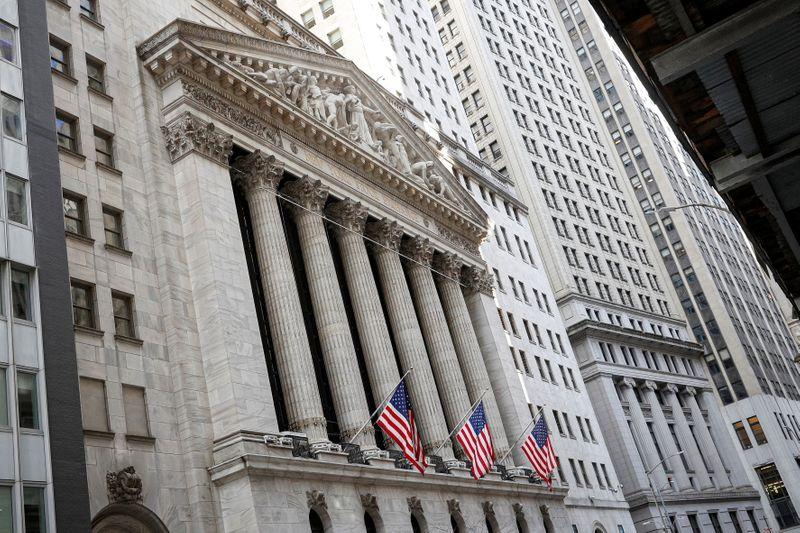 Wall Street rebondit avec les indicateurs macroéconomiques et la tech