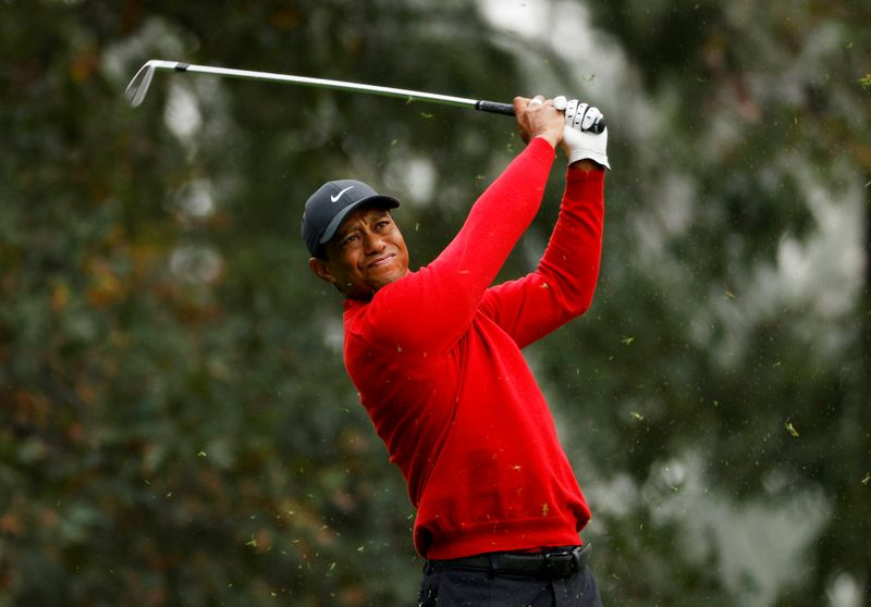 Tiger posts photo of himself on crutches, says rehab is 'coming along'