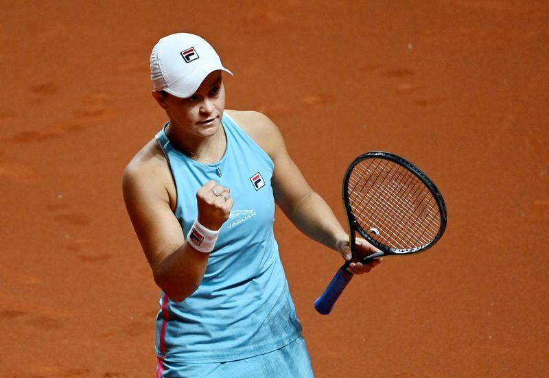 WTA roundup: Ashleigh Barty advances in Stuttgart
