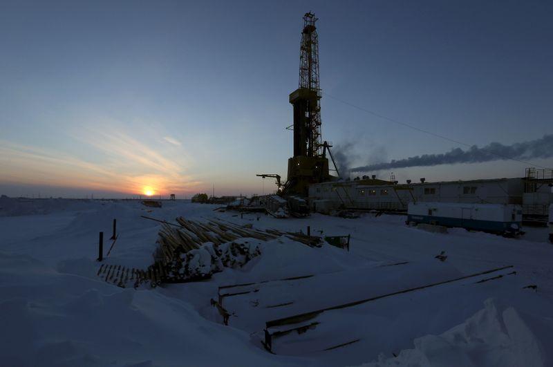 Нефтекомпании РФ могут приостановить поставки нефти на белорусский Нафтан на фоне санкций США