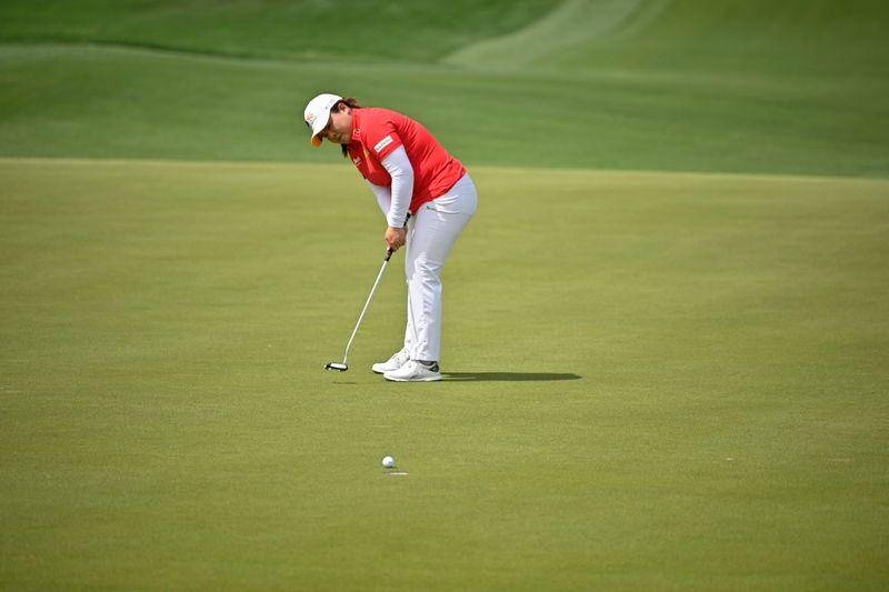 Golf-Park Inbee lights up Sentosa with sparkling 64 for LPGA lead