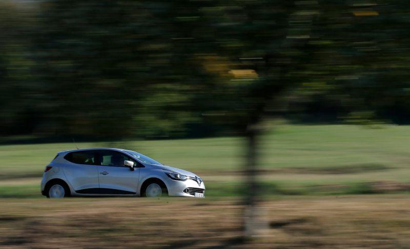 France: Immatriculations de voitures neuves en baisse de 25,38% en avril, selon le CCFA