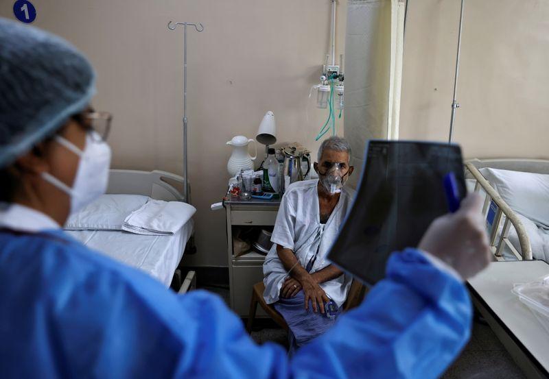 Coronavirus: Plus de 400.000 nouveaux cas enregistrés en Inde, la deuxième vague s'amplifie