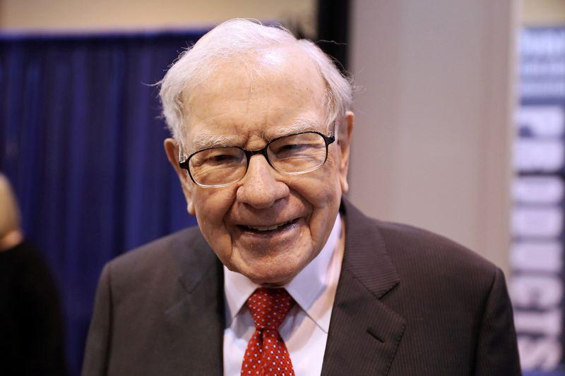 Le Berkshire de Buffett rebondit des profondeurs de la pandémie et rachète plus d'actions