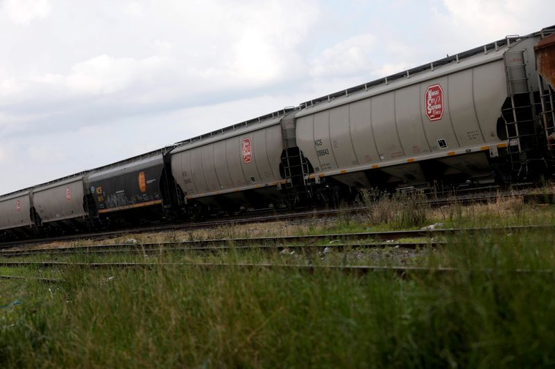 Canadian Pacific files objection with U.S. regulator over Canadian National's bid for Kansas City rail