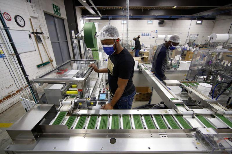 仏製造業PMI、4月改定値は58.9 供給網の混乱が足かせ