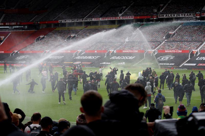 La violencia de los fanáticos de Football United condenada por el gobierno y el alcalde