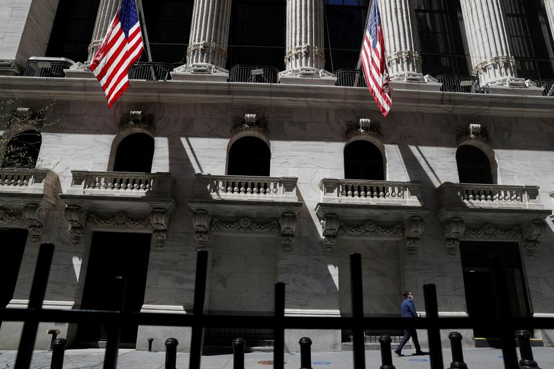 Wall St. set to start month on firm footing; economic data in focus