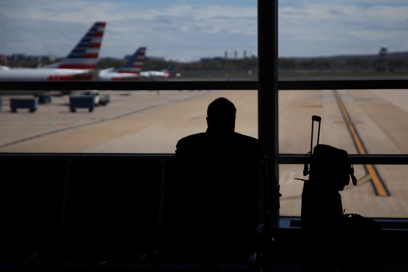 Airlines refer 1,300 unruly passengers to U.S. FAA: agency