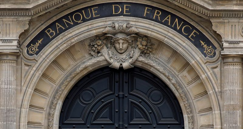French banks told to speed up response to climate change