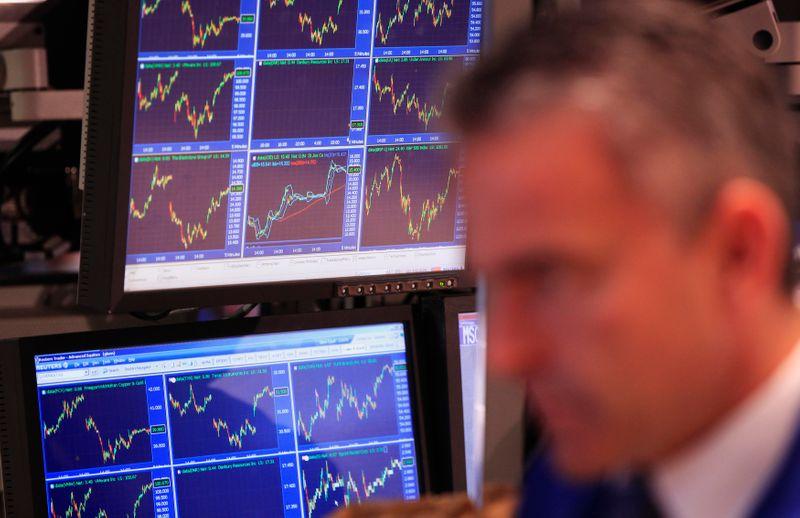 欧米株式市場で「フラッシュ・クラッシュ」、原因は不明
